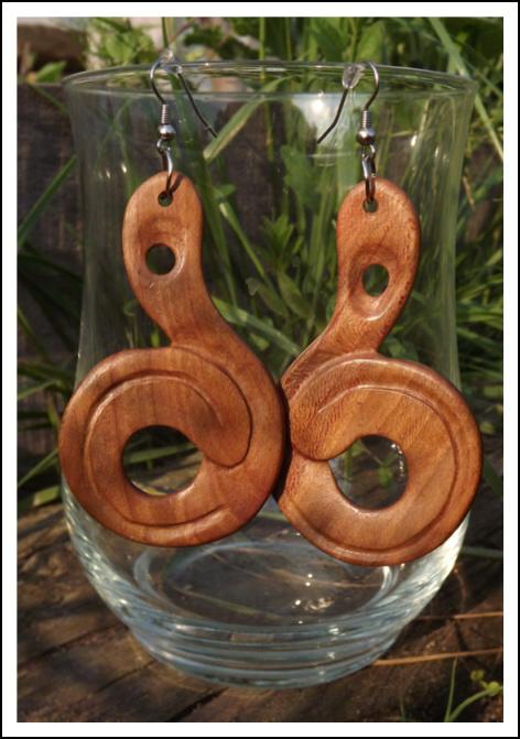 885e147f0 Originální dřevěné šperky - NAŠE HOBBY