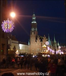 Radnice-a podvečerní-vánoční-trh